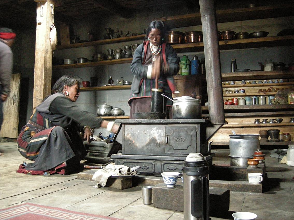 dolpo-kitchen-stove